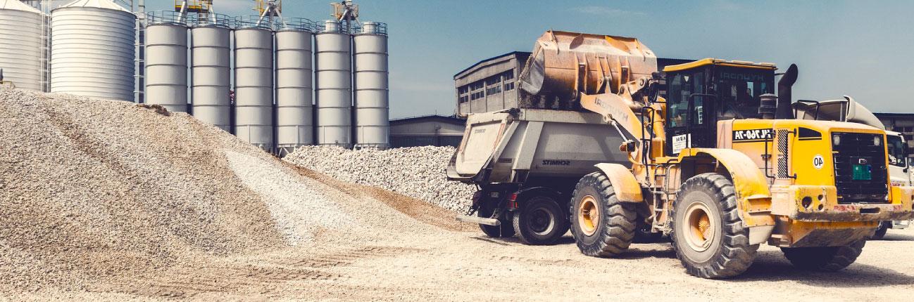 <h1>HACE MÁS DE 10 AÑOS<br /> IMPULSAMOS LA INDUSTRIA</h1><span class='line'></span><p>Abastecemos a la industria de la construcción <br /> con materiales áridos y un excelente servicio.</p>
